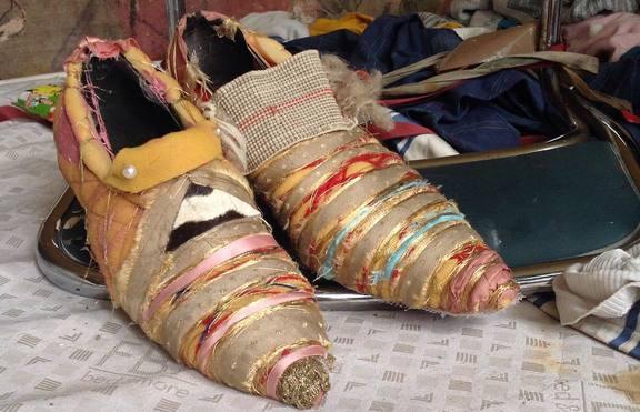 Хит или Шит: Обувки, направени от мебели