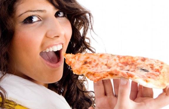 Колко пици и хамбургера изяжда човек през живота си?