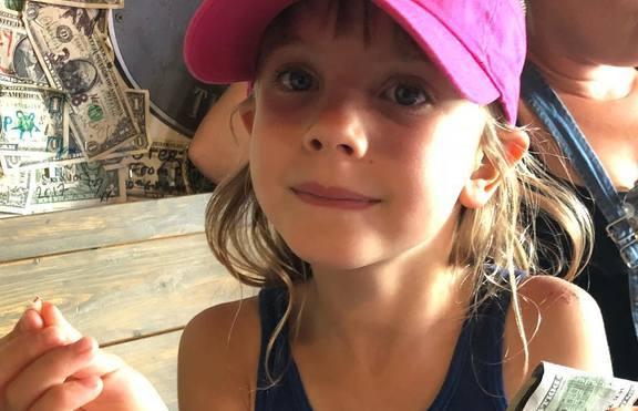 Дъщерята на Пинк получи 100 долара за изваден зъб
