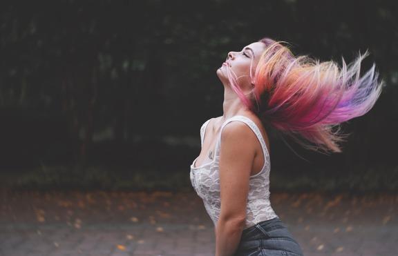 Хит: Коса в два цвята