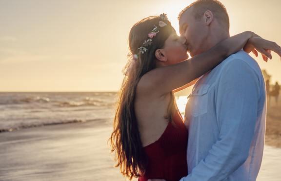3 зодии, които ще имат късмет в любовта през август