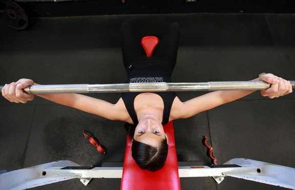 Заради коронавируса: Безопасно ли е да се ходи на фитнес?