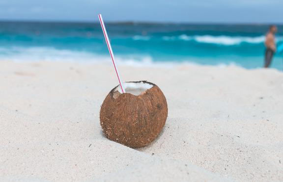4 причини да пиете кокосова вода